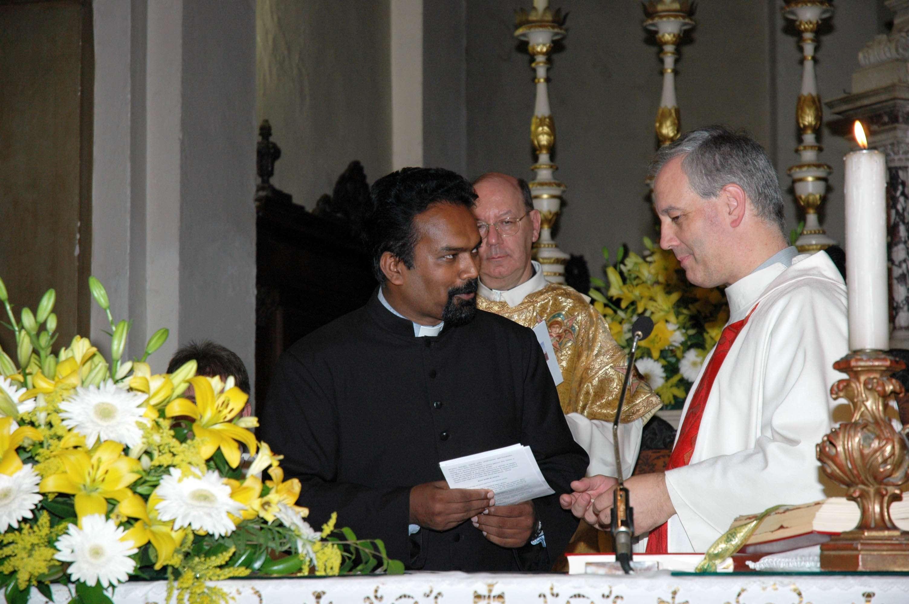 L'ingresso A San Giorgio di don James Paradiyil il 30 settembre 2012, con lui don Antonio Sona