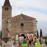 2013 08 07 Palazzolo 10000 passi, davanti alla Pieve di S. Giustina
