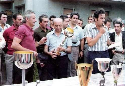 Luigi Castioni e Francesco Gasparato durante la Mostra delle Pesche del 1974