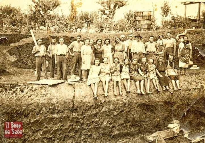 lavoratori della torbiera di san giorgio nel 1945