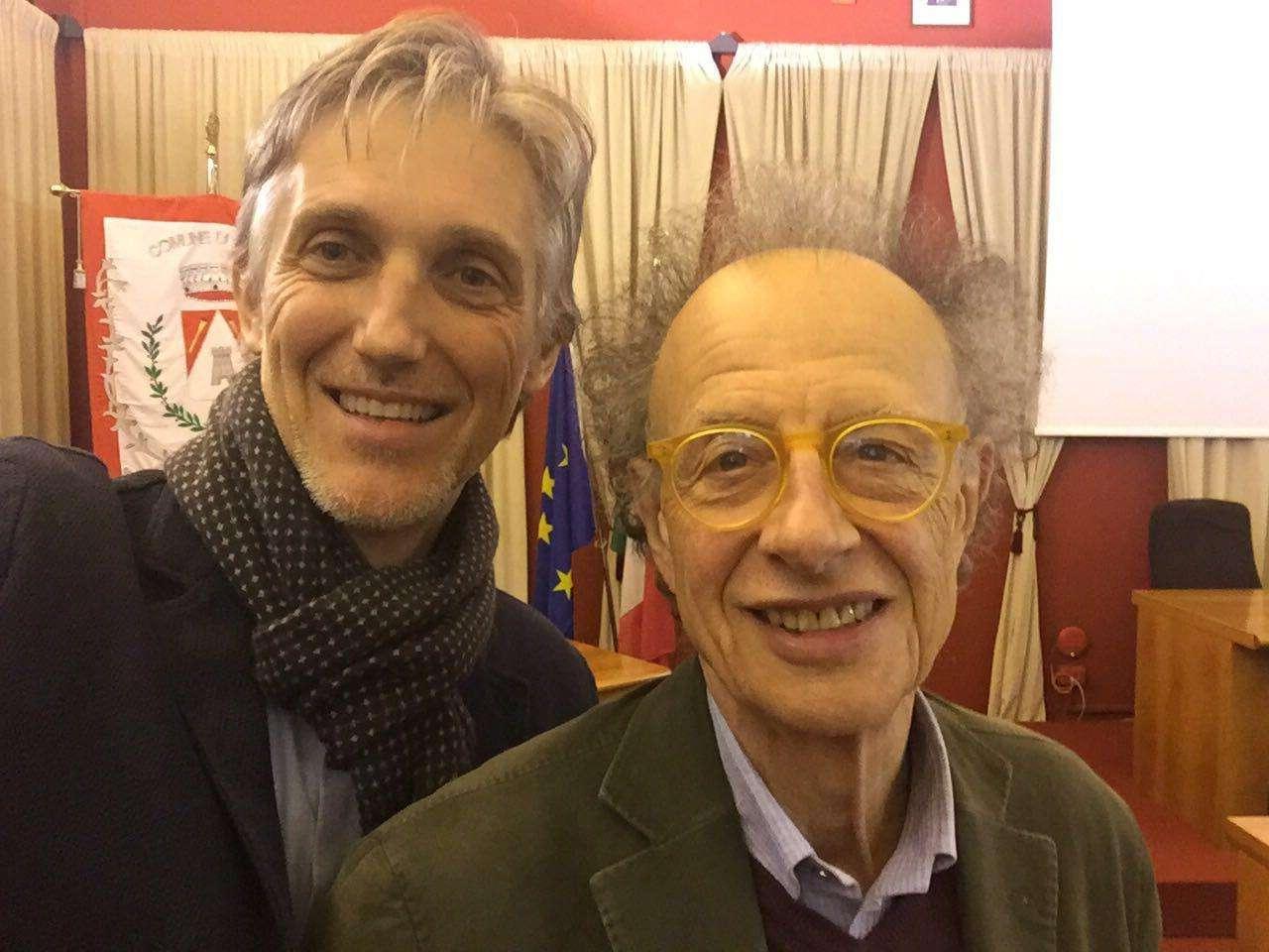 Gherardo Colombo con l'Assessore Bianco. Sopra un momento della serata