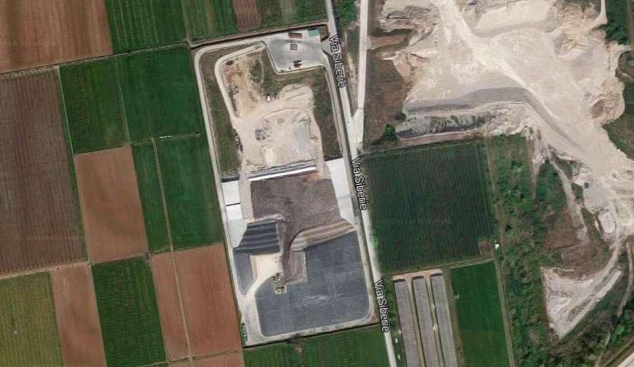 Foto aerea della discarica Siberie.